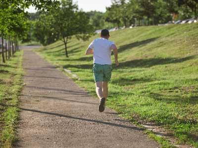 やりすぎたスポーツが健康に悪いわけ