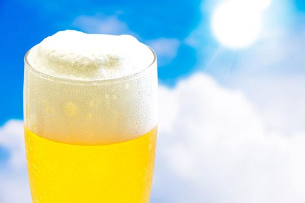 ビールとコーヒーを飲むほど脱水症状になりやすい理由
