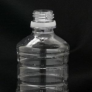薄型ペットボトル